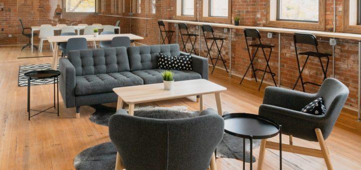 Stojí před vámi úkol v podobě výbavy daného prostoru kancelářským nábytkem